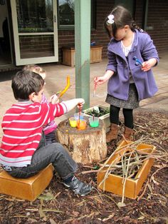 Irresistible Ideas for play based learning Natural Playground, Playground Ideas, Outdoor Playground, Autumn Activities, Craft Activities, Preschool Crafts, Outdoor Classroom, Classroom Decor, Stick Man