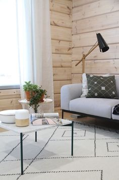 Var dags rum: Det hetaste i inredningsväg - i Finland! Living Room Sofa, Living Room Decor, Bedroom Decor, Minimal Living, Home Reno, Scandinavian Interior, Log Homes, Interior Inspiration, Architecture Design