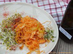 Savanyúkáposzta-saláta rozmaringgal csírákkal. Fermentálás. Cabbage, Vegetables, Food, Essen, Cabbages, Vegetable Recipes, Meals, Yemek, Brussels Sprouts
