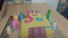 minecraft amy lee 33 cake with stampy,squid,pig chick,dog and a creeper cake