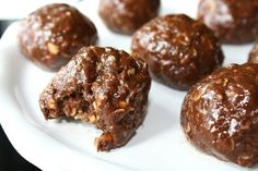 Chocolate Oat Balls - with peanut butter, flax, almonds, sunflower seeds. An awesome healthy treat!