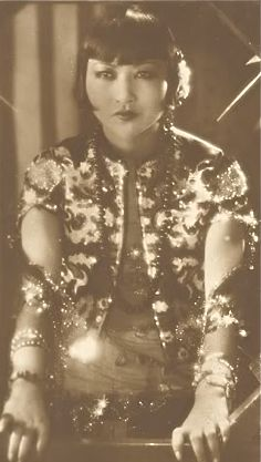 lauradivenereinteriors: The Road to Hong Kong and Chinese Design. Old Hollywood Movies, Old Hollywood Glamour, In Hollywood, Chinese American, American History, Asian American Actresses, Anna May, Social Themes, Sound Film