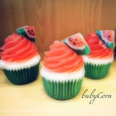 Watermelon Soap Cupcake from babyCornBathandBody on Etsy. Saved to How cute is that? Soap Cake, Cupcake Soap, Melt And Pour, Sugar Scrub Recipe, Homemade Soap Recipes, Bath Soap, Cold Process Soap, Home Made Soap, Handmade Soaps