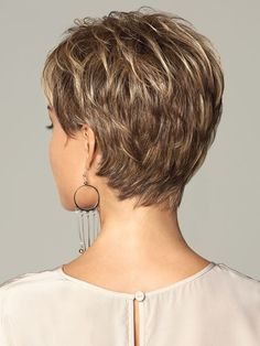 Online Shop New coming 2016 highlights blonde short female haircut, puffy straight pelucas pelo natural short hair wigs for black women Short Hairstyles For Women, Hairstyles Haircuts, Trendy Hairstyles, Blonde Hairstyles, Straight Hairstyles, Stacked Hairstyles, Hairstyle Short, Medium Hairstyles, Popular Hairstyles