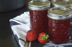 If you tried making strawberry freezer jam recently and couldn't get it to set, the blame may lie with a bad recipe mistakenly inserted into boxes of Sure-Jell regular pectin.
