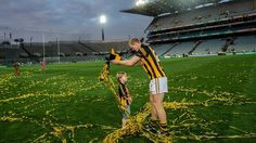 The Cat with 10 medals - Henry Shefflin celebrates after the game Ireland, Football, Celebrities, Lady, Irish, Sport, Funny, Sports, Soccer