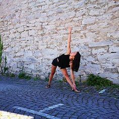 Triangle pose in Visby Gotland