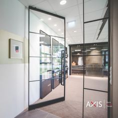 Pivot-Türen sind der Blickfang in jedem Haus - egal ob im Privat- oder Geschäftsbereich Divider, Room, Furniture, Home Decor, Don't Care, Contemporary Design, House, Bedroom, Decoration Home