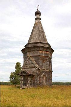 Abandoned Russian church of Krasnaya Lyaga. Built around 1655.