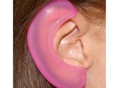 Нехитрое приспособление спасёт ваши уши от ожога при укладке волос горячими щипцами