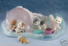 Littlest Pet Shop Huskies...this was my favorite set!!!!! Still have parts to it!