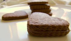 3 ingredient nutella shortbread cookies, with nutella filling - crisp, chocolatey and delicious!