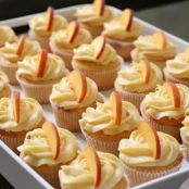Week of Menus: Peach Cupcakes with Peach Cream Cheese Frosting (can make it off season.uses freeze-dried peaches) Frosting Recipes, Cupcake Recipes, Cupcake Cakes, Dessert Recipes, Peach Frosting Recipe, Cup Cakes, Raspberry Frosting, Poke Cakes, Layer Cakes