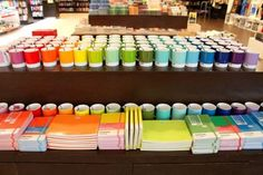 These colour-coordinated mugs and books. 31 Deeply Satisfying Pictures For Anyone Slightly Obsessed With Stationery Satisfying Pictures, Oddly Satisfying, Stationery Items, Cute Stationery, Stationary, World Of Color, Fresh Fruit, Color Blocking, Diy And Crafts