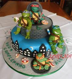 TMNT cake. Cute.