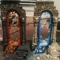 Gates! A pair of baleful realmgates I painted up for an Age of Sigmar campaign. #warhammer #fantasy #aos #ageofsigmar #gate #gamesworkshop #gw #realm #glow #airbrush #snow #blood #fire #paint #painting #painted