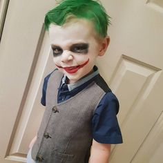 Jacob / Kiralee_x / Alzena Kids Joker Costume, Joker Halloween, Halloween Costumes For Kids, Halloween Make Up, Halloween Face Makeup, Joker Face Paint, Baby Joker, Clown Party, Joker Makeup