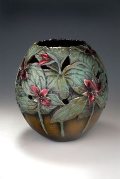 Inspires appreciation for the invisible helpers in our lives and the beloved woodland trillium plant Pottery Houses, Pottery Pots, Ceramic Pottery, Ceramic Wall Art, Ceramic Pots, Kintsugi, Pottery Handbuilding, Painted Gourds, Gourd Art
