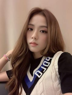 Uploaded by ocean_celeste. Find images and videos about kpop, photo and blackpink on We Heart It - the app to get lost in what you love. Blackpink Jisoo, Kim Jennie, South Korean Girls, Korean Girl Groups, 17 Kpop, Foto Jimin, Peinados Pin Up, Black Pink, Blackpink Photos