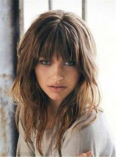 Insane Wavy hair with bangs scorpioscowl.tumb… The post Wavy hair with bangs scorpioscowl.tumb…… appeared first on Cool Hairstyles . Bangs With Medium Hair, Layered Haircuts For Medium Hair With Bangs, Choppy Layers For Long Hair, Full Bangs, Wispy Bangs, Fringe With Long Hair, Medium Hair Styles For Women With Layers, Trendy Haircuts, Long Hairstyles With Layers