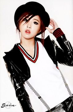 minzy crush :P Kpop Girl Groups, Korean Girl Groups, Kpop Girls, 2ne1 Minzy, Lee Hi, U Go Girl, Kpop Girl Bands, Fandom, Yg Entertainment