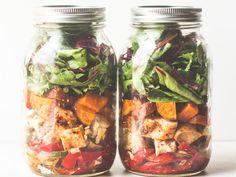 Southwestern Chicken Fajita Mason Jar Salad : Food Network | Healthy Eats – Food Network Healthy Living Blog