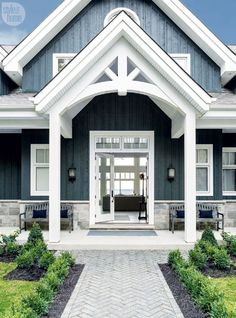 Rustic chic on Lake Simcoe in Ontario