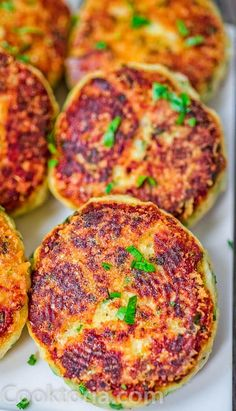 These Parmesan Mashed Potato Cakes are so addictive! A crunchy, cheesy crust is hiding the soft, velvety mashed potato filling. Vegetarian Christmas Recipes, Vegetarian Meal, Vegetarian Breakfast, Parmesan Mashed Potatoes, Mashed Potato Cakes, Potato Dishes, Food Dishes, Cooking Dishes, Side Dishes