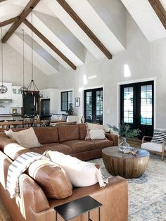 Living Room Modern, My Living Room, Home And Living, Living Room Designs, Living Room Decor, Living Room With Sectional, Clean Living, Small Living, Leather Living Room Furniture