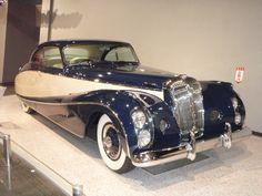 "1952 Daimler ""Blue Clover"" Lady Docker - Daimler DE - Wikipedia, the free… Jaguar Daimler, Daimler Benz, Bentley Continental, Rolls Royce, Unique Cars, Limousine, Amazing Cars, Car Car, Exotic Cars"