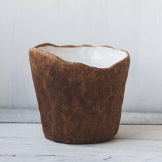 White flower vase, gift for her, Brown matte pot, wabi sabi pottery, japan ceramic vessel, rustic decor provence #farmhouse boho clay glazed https://etsy.me/#etsy #vase #white #brown #entryway #birthdaygift