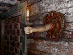 Старый подсвечник #костел #подсвечник #рука #свеча #финляндия #хельсинки #церковь