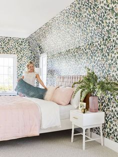 A Romantic Glam Bedroom Makeover With Opalhouse By Target - Redecorating Diy - Bedroom Decor Romantic Bedroom Design, Bohemian Bedroom Design, Romantic Bedrooms, Wallpaper Bedroom Vintage, Of Wallpaper, Guest Bedroom Decor, Glam Bedroom, Bedroom Ideas, Diy Bedroom