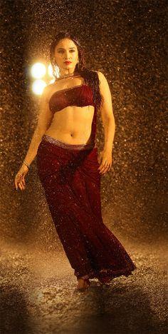 Tamil Actress Tamanna Hot Rain Photos With No Watermark Boobs Show Very Hot - Indian Actress Hot