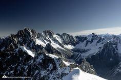 #chamonix #aiguilledumidi Mount Everest, Explore, Mountains, Landscape, Nature, Travel, Naturaleza, Viajes, Scenery