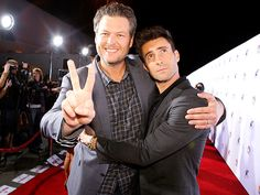 Star Tracks: Tuesday, November 25, 2014   SIGNING IN   And you're saying it's not a bromance? Best pals Blake Shelton and Adam Levine bring love and peace to L.A. on Monday night for a live performance of The Voice at Universal CityWalk.
