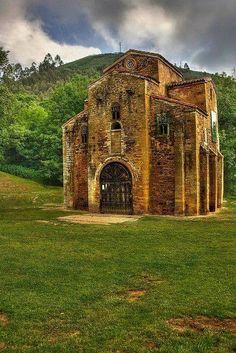 Maravillas de España. San Miguel de Lillo, Asturias.