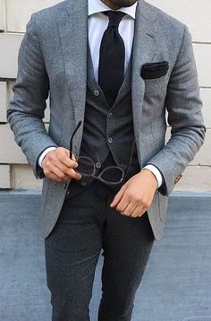 Men's Guide To Fall Office Attire // will you someday be a math professor with sweaters under suits? Style Gentleman, Gentleman Mode, Mode Masculine, Mens Fashion Suits, Mens Suits, Groom Suits, Men's Fashion, High Fashion, Fashion Menswear