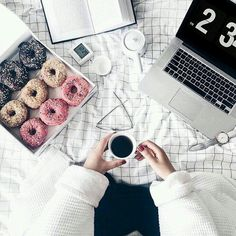 Flatlay inspiration (plus some donuts). Discover more pins at Tumblr Gril, Photo Pour Instagram, Instagram Worthy, Fall Inspiration, Career Inspiration, Estilo Blogger, Photo Grid, One Of Those Days, Lazy Days