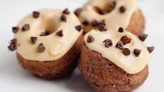 Ready in 25 minutes, our baked chocolate doughnuts with peanut butter glaze bring the popular duo of peanut butter and chocolate to the breakfast table.