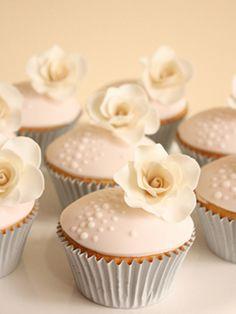 cupcakes de marriage fleuris / floral wedding cupcakes