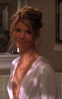 Aunt Becky, Lori Loughlin, Celebrity Beauty, Celebs, Celebrities, Country Girls, Pretty Woman, Movie Stars, Pin Up