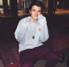 (Changing Shawn's face claim to Kenny Holland and name to Kenny too! Everything else is the same)