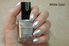 Review of Avon Nailwear Pro+ Nail Enamel in White Gold.
