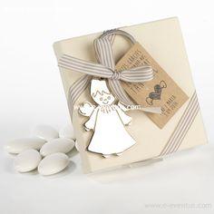 detalles · bautizo · personalizados · detalls · bateig · barcelona · tienda de detalles de bautizo · botiga detalls bateig · personalizados · diseño · recuerdo · detalle · regalo · invitados · llavero · madera · metal · niña · pañales · niño · rosa · azul · bolsa · kraft · papel · peladillas · lazo · nombre · chocolate · chupete · rosa · azul · colores · angelito
