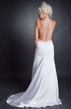 Wow, it is backless. What a sassy dress! #Promdress  Style Code: 00102 $129 - OuterInner.com