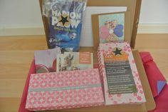 Cadeaupakket met heerlijk thee, geurzakjes en handgemaakte kaarten