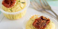 Muffin salati con pomodori secchi e grana