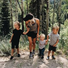 When i have all 3 of them together can't help but be overwhelmed but feel joyed and thankful for them , this tia/mommy loves to take them out on fun days Cute Family, Baby Family, Family Goals, Family Kids, Family Of 6, Cute Kids, Cute Babies, Kids Diy, Future Mom