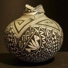 Pueblo Indian Pottery  Shauna Rustin  Acoma via Andrea Fisher Pottery